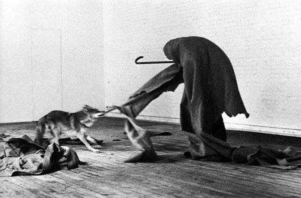 joseph_beuys_i_like_america_n_kidsofdada_article_grande